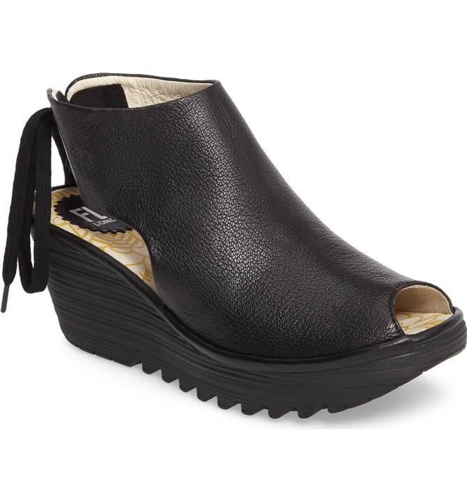 6221cc366d09 Fly London Women s Yuzu Wedge Black Leather Sandal