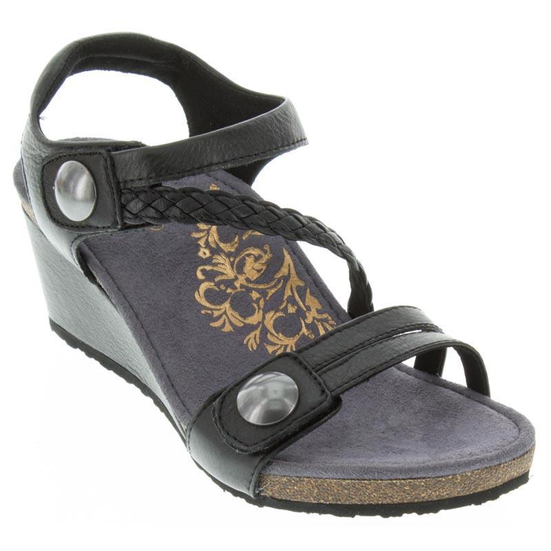 Naya Braided Quarter Strap Black Wedge Sandal Laurie S Shoes